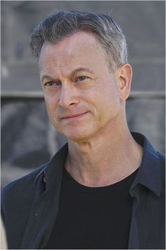re- pinning : I think Gary Sinise might be yet another choice to represent/play McCoy's father, esp in the TOS timeline; but also, a definite maybe to play AOS McCoy's father, particularly in flashback scenes! Criminal Minds, Hollywood Walk Of Fame, Hollywood Stars, Gary Sinise, Vintage Boys, The Expendables, Old Tv Shows, Tom Hanks, About Time Movie