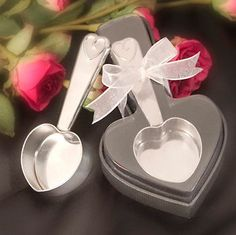 Let your guests know that you've got the scoop on love with these stainless coffee scoops as #weddingfavors.  Ready to scoop just the right amount for a perfect pot, these cute favors are perfect for every coffee lover's #wedding.