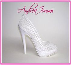 scarpe da sposa in pizzo. collezione scarpe da sposa 2015 Andrea Iommi. tacco 12. www.andreaiommi.it #scarpe #heels #stiletto #fashion #leather #lilla #scarpesumisura #women #tacco12 #bridalshoes #shoes #matrimonio #wedding