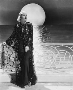 Carole Lombard for My Man Godfrey, 1936 - Summers in Hollywood Hollywood Cinema, Hollywood Fashion, Classic Hollywood, Hollywood Style, Dorothy Lamour, Myrna Loy, Carole Lombard, Billie Burke, Cry Like A Baby
