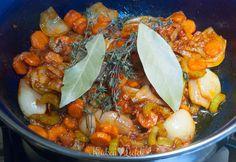 Spijs & Wijn: boeuf bourguignon - Keuken♥Liefde Pot Roast, Slow Cooker, Pasta, Ethnic Recipes, Frans, Beef Bourguignon, Carne Asada, Roast Beef, Crock Pot
