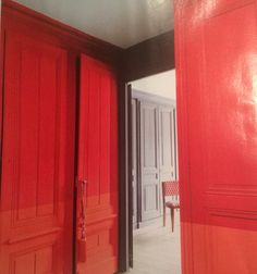 2 colours on the walls and doors