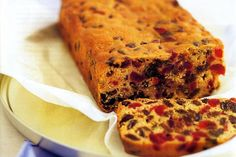 GLACE CHERRY AND SULTANA CAKE Cherry sultana cake