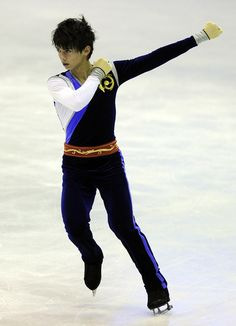 World+Junior+Figure+Skating+Championships+zl0vMl2Fc6Sl.jpg (429×594)