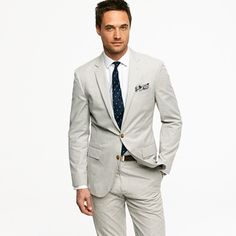 Ludlow two-button suit jacket with center vent in fine-stripe cotton
