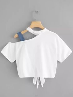 Women's T Shirt Bow Hollow Out Short Sleeve O Neck Top look chipper and natural. NewChic has a lot of women T-shirts online for your choice, believe you will find your cup of tea. Crop Top Outfits, Cute Casual Outfits, Stylish Outfits, Teen Fashion Outfits, Mode Outfits, Fashion Dresses, Fashion Tips, Umgestaltete Shirts, Belly Shirts
