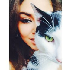 Find images and videos about hande erçel, güneşin kızları and alsel on We Heart It - the app to get lost in what you love. Cute Girl Pic, Stylish Girl Pic, Beautiful Girl Image, Beautiful Eyes, Murat And Hayat Pics, Foto E Video, Photo And Video, Profile Pictures Instagram, Magic Eyes