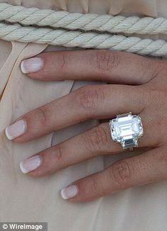 12 Impossibly Beautiful Rose Gold Wedding Engagement Rings #aromabotanical
