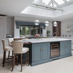 """Humphrey Munson on Instagram: """"The perfect extension for a Victorian family home with a huge roof lantern to let in lots of natural light to create a really spacious and…"""" Open Plan Kitchen Dining Living, Open Plan Kitchen Diner, Living Room Kitchen, Kitchen Layout, Home Decor Kitchen, Interior Design Kitchen, New Kitchen, Home Kitchens, Howdens Kitchens"""