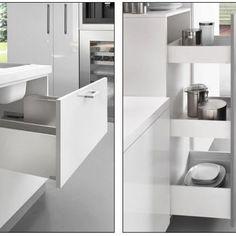 Lineaboxin puhdaslinjainen metallilaatikko minimaalisella seinämäpaksuudella maksimoi laatikon sisätilan. Pehmeä tasainen liuku laatikkoon saadaan aikaan täysin ulostuovilla, sulkeutumisen vaimentavilla Futura-liukukiskoilla. #lineabox #laatikko #box #design #säilytys #laatikosto #keittiö #kitchen #decoration #sisustus #koti #home #seinajoki #yritysmyynti