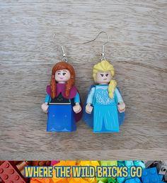 Frozen LEGO® minifigure earrings - Anna and Elsa - genuine LEGO® Disney minifigures - Handmade Lego Jurassic Park, Lego Disney, Lego Elsa, Lego Frozen, Disney Minifigures, Anna Und Elsa, Star Wars, Lego Group, Legos