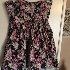 """Sans souci strapless dress...size large Nice summer floral strapless dress .... Size is large...bust size is 15"""" measured from armpit to armpit... Length of dress is 24""""...100% cotton... Sans Souci Dresses Strapless"""