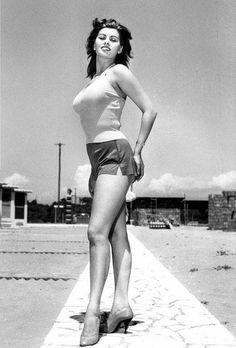 "Learn more about luscious style icon and actress, Sophia Loren (originally ""Sofia"" Loren) and enjoy our Sophia Loren photo gallery. Claudia Cardinale, Brigitte Bardot, Timeless Beauty, Classic Beauty, True Beauty, Classic Hollywood, Old Hollywood, Carlo Ponti, Pin Up"