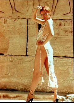 Lesley-Anne  Down in    Sphinxs