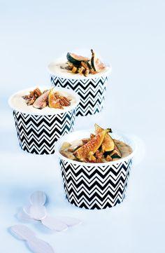 Que ce soit comme collation d'après-midi ou en dessert, ce mélange de figues et de pacanes grillées accompagne parfaitement un yogourt nature ou une crème glacée. Sa touche de miel et de SIROP D'ÉRABLE y ajoute un côté sucré exquis!