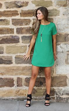 For Me: bubble gum shift dress - green Chic Outfits, Dress Outfits, Fashion Dresses, Green Dress Outfit, Green Shift Dress, Cute Dresses, Casual Dresses, Short Dresses, Boutique Clothing