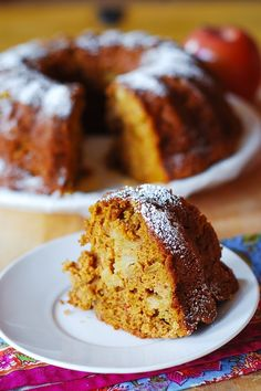 Apple-Pumpkin Spice Bundt Cake