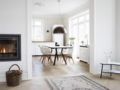 bønnebord mm Oversized Mirror, New Homes, Coffee Tables, Interior, Kitchen, Connection, Room, Furniture, Design