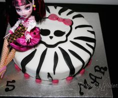 ideasdeliciosas.com Torta Monster High