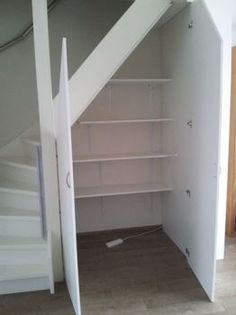 other under stairs storage Staircase Storage, Stair Storage, Staircase Design, Open Staircase, Open Trap, Escalier Design, Under Stairs Cupboard, Attic Rooms, Living Room Designs