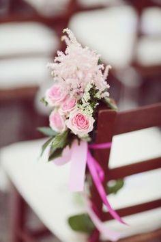 pink flower wedding ceremony chair decor    www.stiattifiori.it