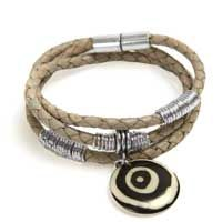 Made by Sandy Yeates, inspired by her upbringing in Africa. She used 4mm braided leather to create this piece. You too could make it by clicking on the photo.