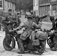 Exceptional photos are readily available on our internet site. look at this and you wont be sorry you did. Military Photos, Military Art, Military History, Cycle Pictures, Ww2 Pictures, British Motorcycles, Vintage Motorcycles, Germany Ww2, War Dogs