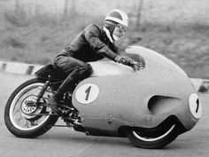 Moto Guzzi V8 500cc TT lap onboard with Bill Lomas.