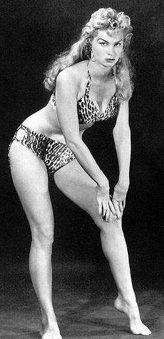 (♥) Irish McCalla as Sheena, Queen of the Jungle, 1950s.
