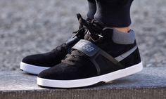 "Nike SB Eric Koston Mid Premium ""Black Suede"""