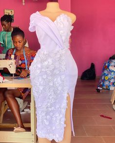 African Bridesmaid Dresses, African Lace Styles, African Dresses For Kids, African Wear Dresses, Latest African Fashion Dresses, African Traditional Wedding Dress, Nigerian Dress, Lace Dress Styles, Elegant Dresses For Women