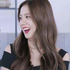 Blackpink Photos, Blackpink Jisoo, Girlfriends, Long Hair Styles, Baby Videos, Cute, Beauty, Kpop, Twitter