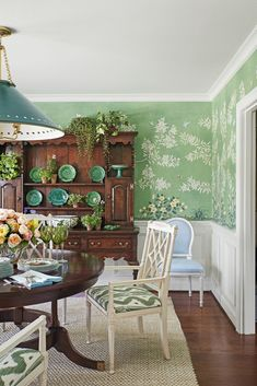 Designer Crush: Mark D. Sikes   The Evans Edit Mark Sikes, Farm House Colors, Bistro Chairs, Green Wallpaper, Gracie Wallpaper, Sweet Home Alabama, Green Rooms, Interior Design, Furniture