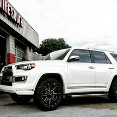 Keeping it Ice Cold with the Pearl White 2016 Toyota 4Runner Limited leveled out…