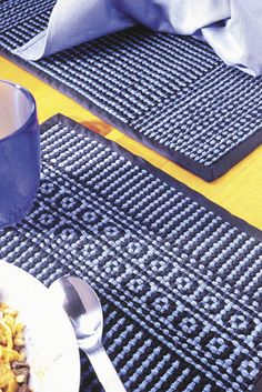 Weave these cute placemats on either 2 or 4 shaft loom in colors to compliment your kitchen and dishes! Click for the pattern.