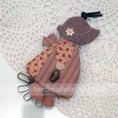 Handmade Delight: Sunbonnet Sue Key Holder [J]