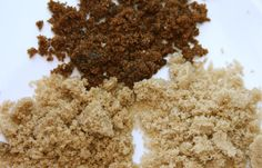 Bruine suiker zacht maken - If your brown sugar is brick hard, microwave it in a baking dish covered with a wet paper towel for 20 seconds. Soften Brown Sugar, Make Brown Sugar, How To Make Brown, Sugar Alternatives, Healthy Alternatives, Baking Tips, Baking Hacks, Baking Secrets, No Sugar Foods