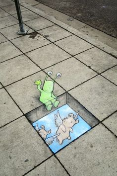 Une sélection des dernières créations de l'artiste américainDavid Zinn, qui mélange street art à la craie et anamorphoses pour peupler les rues avec ses