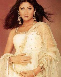 Shilpa Shetty Bollywood Actress Cute Photos including Yoga Stills Shilpa Shetty, Cute Photos, Bollywood Actress, Lehenga, Desi, Hollywood, Entertainment, Yoga, Indian