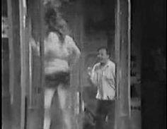 The Sonics - Psycho a Go-Go Meu sonho dançar numa caixa dessas com vestido de franjas...