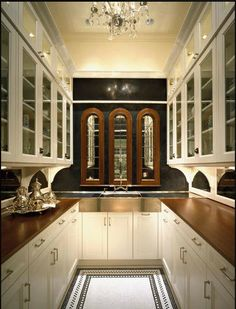 Butler Pantries... a luxury space in fine homes, not just for Downton Abbey. This post explores a range of Butler Pantry styles, all gorgeous.