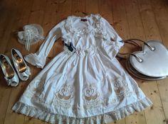 The hare in the hills Girls Dresses, Flower Girl Dresses, Hare, Wedding Dresses, Fashion, Dresses Of Girls, Bride Dresses, Moda, Bridal Gowns