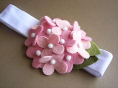 Items similar to Grace - Light Pink Hydrangea Headband with wool felt on Etsy Diy Ribbon, Ribbon Crafts, Flower Crafts, Felt Flowers, Diy Flowers, Fabric Flowers, Felt Headband, Baby Headbands, Baby Crafts