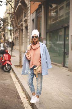 http://www.myshowroomblog.es/fashion/baby-blue-coat/