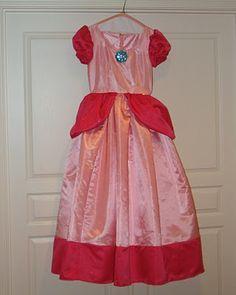 Princess Peach dress tutorial