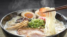 Overseas, while restaurants serving Japanese food such as sushi, sukiyaki, and tempura are engaged in a fierce competition, ramen has also taken the world's stage. Several famous ramen restaurants … Ramen Recipes, Asian Recipes, Cooking Recipes, Ethnic Recipes, Best Ramen Recipe, Cooking Ideas, Food Ideas, Ramen Restaurant, Comida Ramen