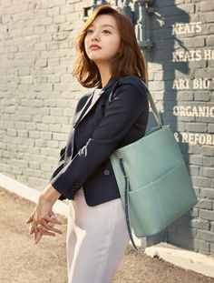 Kim Ji won as Kang Hanna Female Actresses, Korean Actresses, School Fashion, Pop Fashion, Korean Beauty, Asian Beauty, Kim Ji Won, Prettiest Actresses, Kim Woo Bin