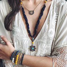 #Repost @chloeandisabel ・・・ Talk about flower power – this golden lotus design represents strength + beauty! #JourneytoJaipur #goldenlotus #chloeandisabel