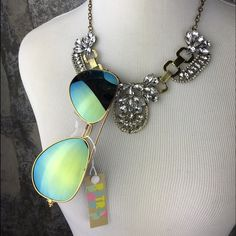 Gold green Mirror tinted aviator sunglasses Brand new, retail item! These are absolutely awesome. UV 400 protection. These mirror tinted sunglasses are a bloggers favorite and will have you right on trend this summer. COLORS AVAILABLE: silver/blue, gold/yellow, gold/pink, gold/orange, black/blue, & gold/green. Please do not purchase this listing. Comment, and I will make a separate listing for you. Thank you. ❤️ Mirror tinted aviator sunglasses - YOU PICK COLOR Boutique Accessories…