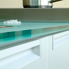 Solid Glass - Kitchen worktop (Bottle Green)